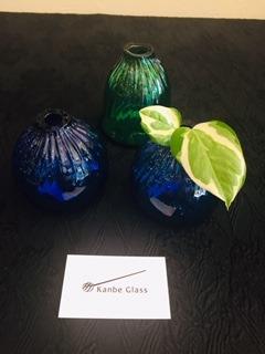このたびトキワ屋にて大石田町のカンベガラス工房の大内学さんの作品をお取り扱いさせていただく事になりました。